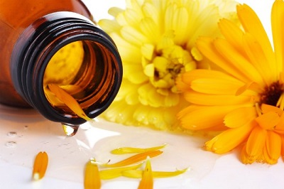 Overhaul Your Medicine Cabinet With Herbal Remedies