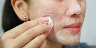 How To Remove Dead Skin From Your Face With Baking Soda