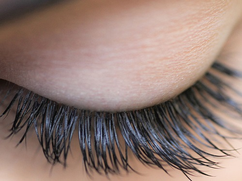 Coconut Oil to Grow Eyelashes