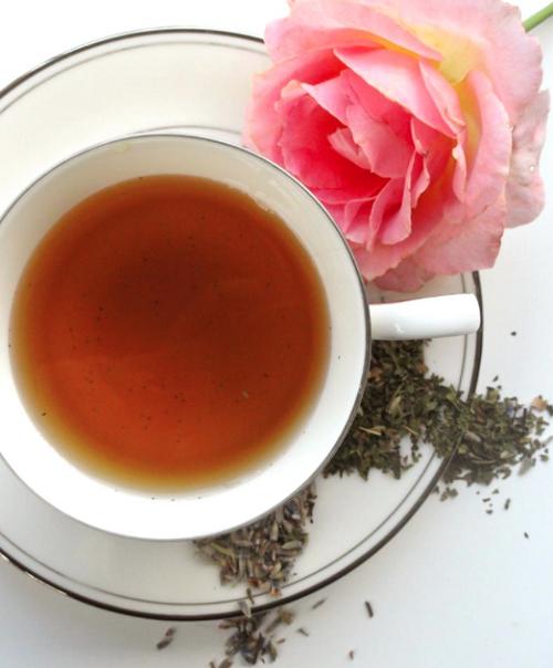 Chamomile & Lemon Balm Tea